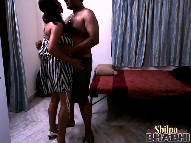 Shilpa gal 28. Shilpa bhabhi dancing with her man and strip